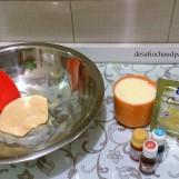 Ensuite, vous aurez besoin de poudre de lait (entre 1/2 - 1 tasse), des colorants alimentaires et d'un aromatisant à la pomme. Moi j'ai mis tout un paquet (15 g) d'une préparation thé blanc et pomme.