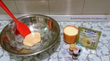 Agora precisaremos de leite em pó (entre 1/2 e 1 xícara), corantes alimentícios vermelho e verde e pó para suco ou chá instantâneo sabor maçã a dosar como queira.
