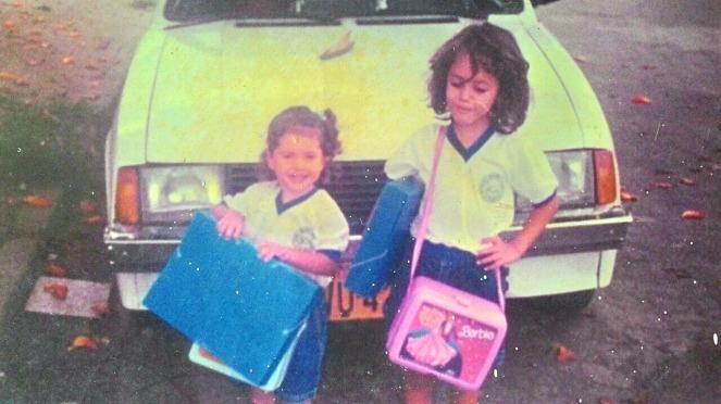 Camila e Carol década de 1990.jpg